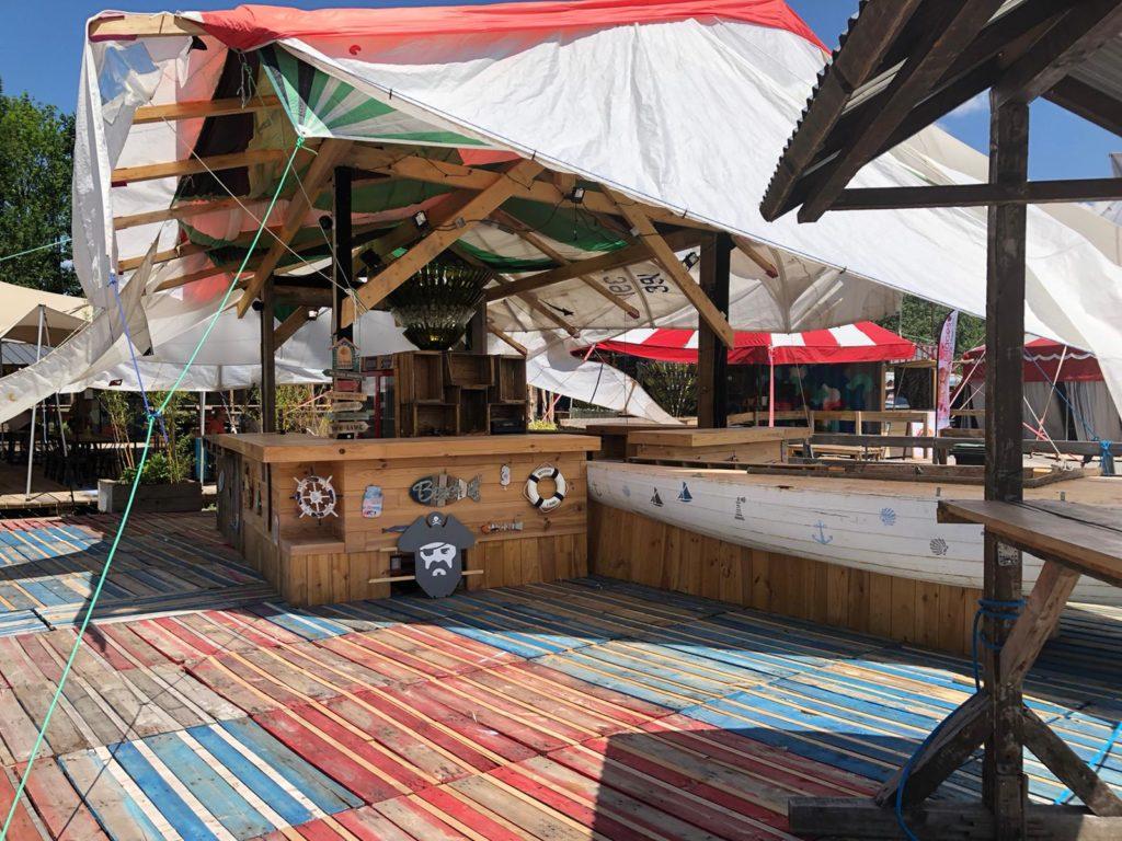 Bar terrasse du restaurant - Marché de la Seiche - Sevriez - Annecy