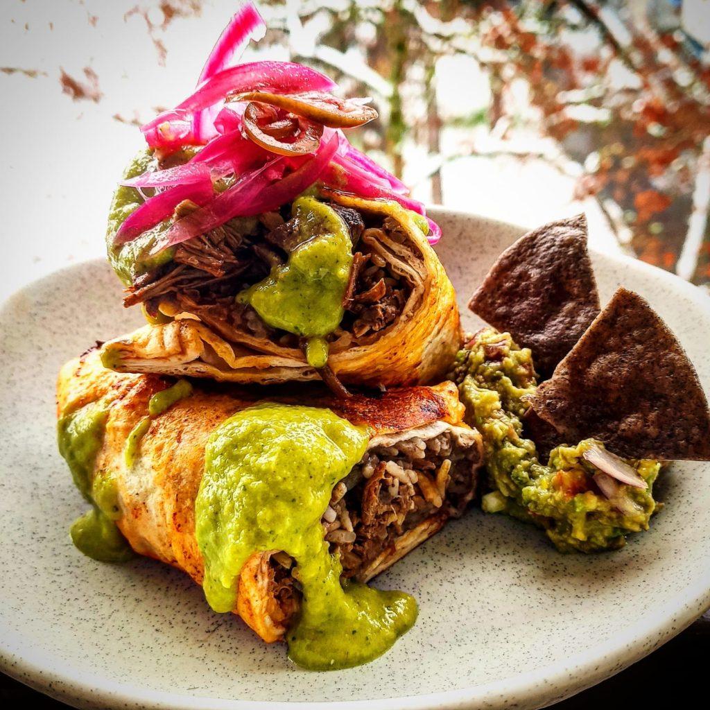 Burrito de bœuf façon Birria par Viva Mexico - Marché de la Seiche, Lac Annecy, Sevrier